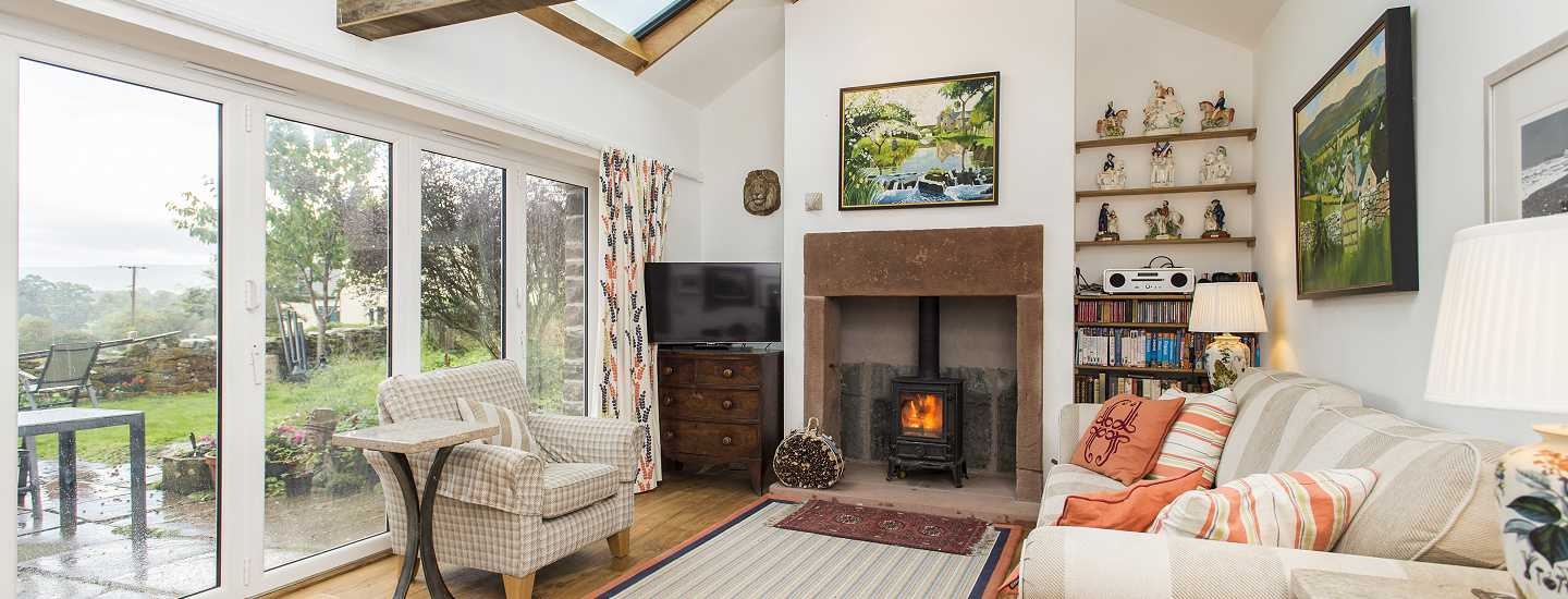 Greengill House (sleeps 6) - living room